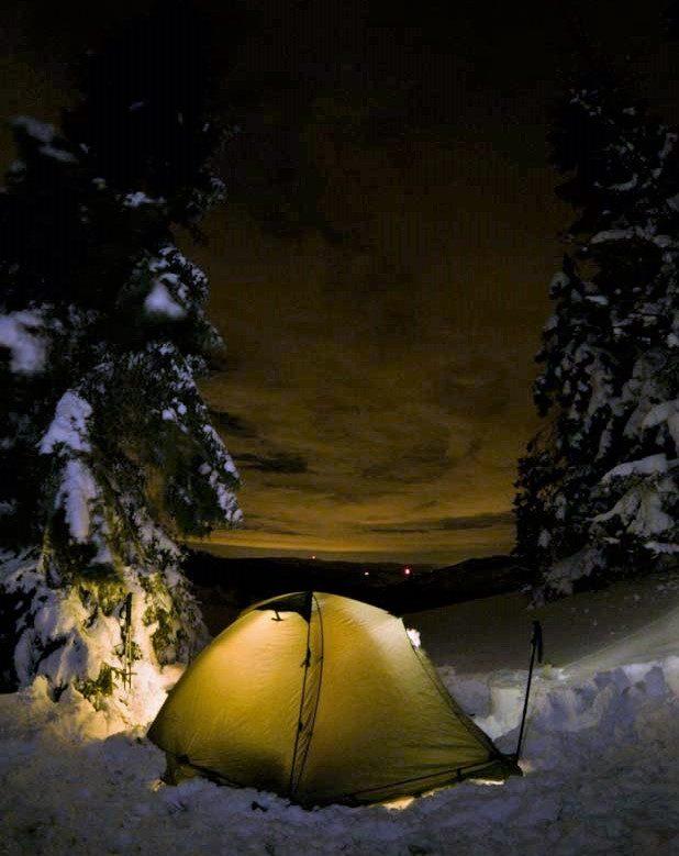 Nowy Rok w namiocie i głębokim śniegu