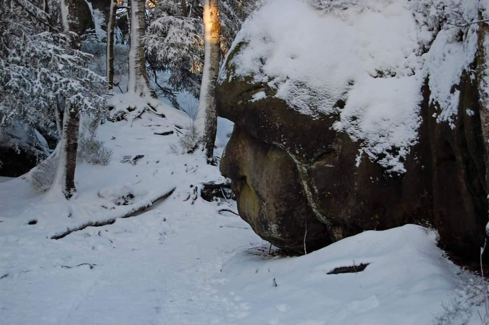 Mało śniegu w Górach Stołowych w styczniową niedzielę