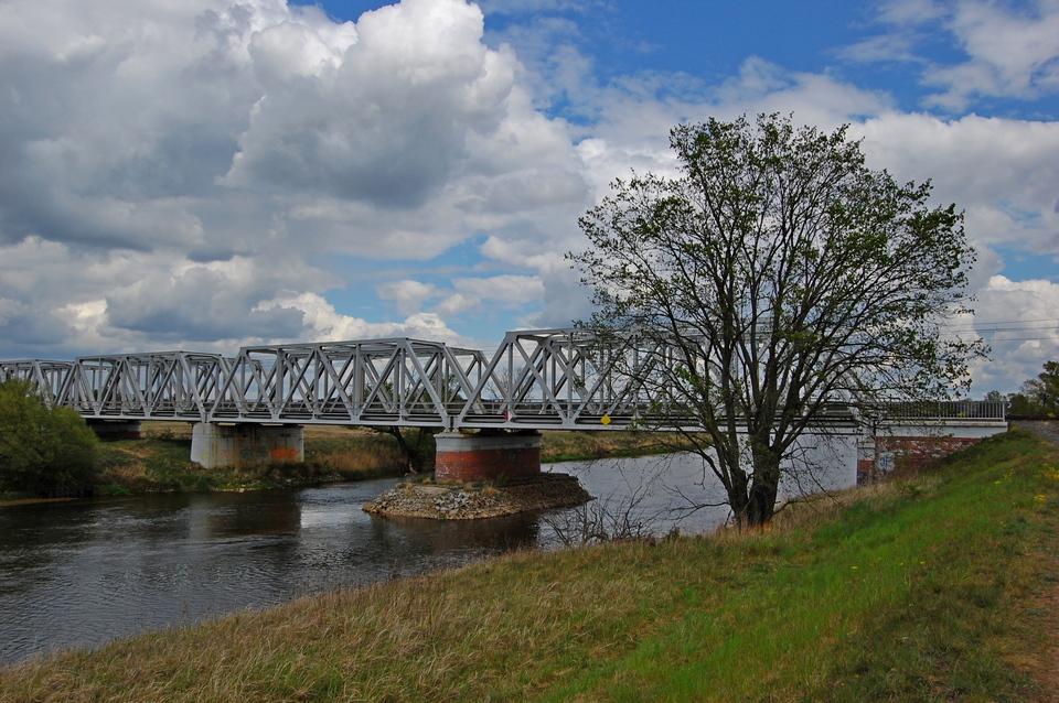 00 99996b Most kolejowy w Solcu nad Wartą2 – 2.05.2020 r.