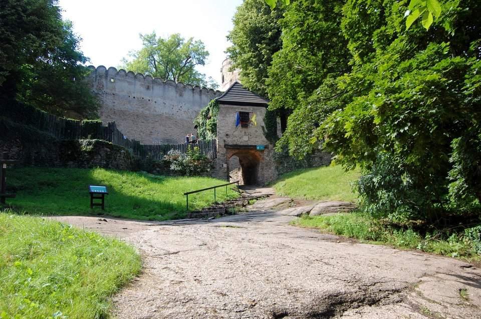 Zamek Chojnik - wejście